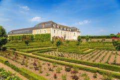 Château de Villandry, Francia Vista a uno de los edificios del castillo y del jardín de flores Imagenes de archivo