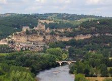 Châteauen de Beynac och flod Dordogne - Frankrike Arkivbilder