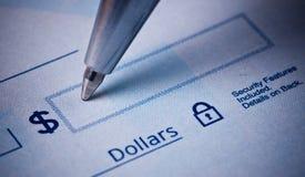 Chèque bancaire d'écriture Images libres de droits