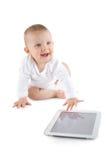 Chéri à l'aide de la tablette digitale Image libre de droits