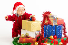 Chéri avec des cadeaux de Noël Image libre de droits