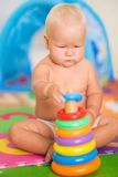 Chéri avec le jouet Photos libres de droits