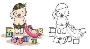 Chéri dans l'uniforme de solider avec l'ours de nounours rose Photographie stock libre de droits