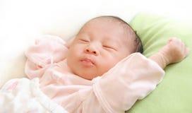 sommeil de b b de 3 mois petit image stock image du. Black Bedroom Furniture Sets. Home Design Ideas