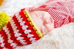 Chéri nouveau-née de Noël Image libre de droits