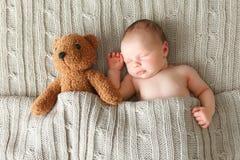 Chéri nouveau-née de sommeil Photo stock