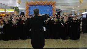 Chórowy występ na dniu pasażer przy Sheremetyevo lotniskiem, Moskwa zdjęcie wideo