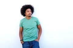Chłodno amerykanina afrykańskiego pochodzenia facet z afro Zdjęcia Stock