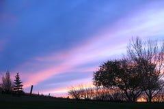 Chłodno jesieni niebo przy Bieżącymi wiosnami Saskatchewan Obraz Royalty Free
