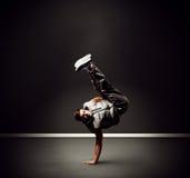 Chłodno młoda tancerz pozycja na mrozie Zdjęcie Stock
