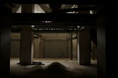 Chłodno Przemysłowy wnętrze zdjęcia stock