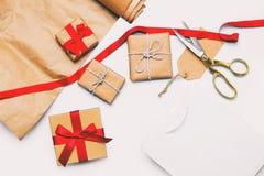 Chłodno torba na zakupy, piękni prezenty i rzeczy, Obraz Stock