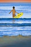 chłopak gra wody zdjęcia royalty free