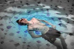 chłopcy 5 basen opływa zdjęcie stock