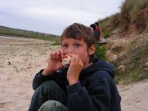 chłopcy jedzenie Zdjęcia Stock