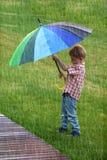 chłopcy parasolkę Fotografia Royalty Free