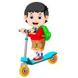 Chłopiec bawić się pchnięcie bicykl royalty ilustracja