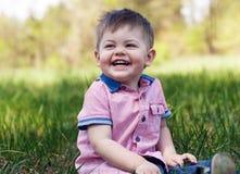 Chłopiec bawić się w parku Fotografia Stock