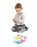 Chłopiec bawić się z plasteliną fotografia royalty free
