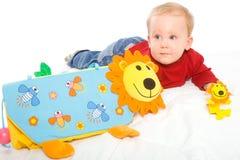 chłopiec bawić się zabawki zdjęcia royalty free