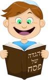 Chłopiec czytanie Od hagady Dla Passover Obraz Royalty Free