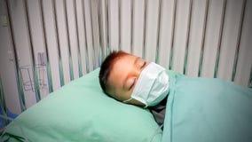 Chłopiec dosypianie i choroba obraz royalty free