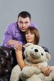 Chłopiec, dziewczyna i miś, Fotografia Stock