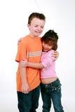 chłopiec dziewczyny przytulenie zdjęcie stock