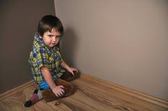 chłopiec gniewny kąt Obrazy Royalty Free