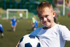 Chłopiec gracz piłki nożnej Obrazy Stock