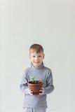 Chłopiec i symbol Ziemski dzień i ekologia Obraz Royalty Free