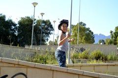 Chłopiec jedzie Monowheel zdjęcie royalty free
