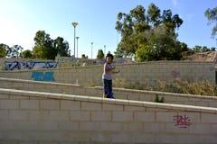 Chłopiec jedzie Monowheel obraz stock