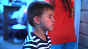 Chłopiec jest smutna zbiory wideo