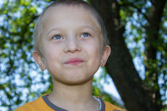 chłopiec koloru konturu śmiechy Obrazy Stock