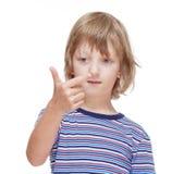 Chłopiec liczenie na palcach jego ręka Fotografia Stock