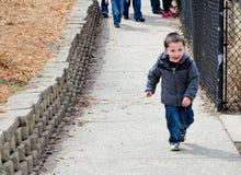 chłopiec mały z podnieceniem Fotografia Royalty Free