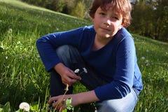 Chłopiec na łące Zdjęcie Stock