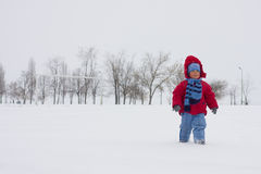 Chłopiec na śniegu Zdjęcia Royalty Free
