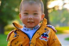 Chłopiec narastająca up w słońcu zdjęcie stock