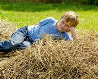 Chłopiec odpoczynek Zdjęcia Stock