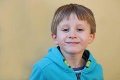 Chłopiec ono uśmiecha się Obrazy Royalty Free