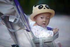 Chłopiec patrzeć Fotografia Stock