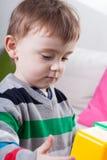 Chłopiec podczas czasu wolnego fotografia royalty free