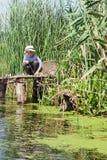 Chłopiec podczas gdy łowiący Zdjęcie Royalty Free