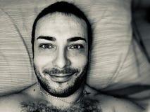 chłopiec portret w badroom zdjęcia stock
