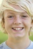chłopiec portreta ono uśmiecha się nastoletni Zdjęcie Royalty Free