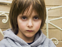 chłopiec portreta poważni potomstwa Zdjęcia Stock