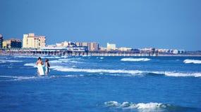 Chłopiec przy plażą Zdjęcia Royalty Free