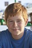 chłopiec restauracyjni obsiadania stołu potomstwa Obraz Stock